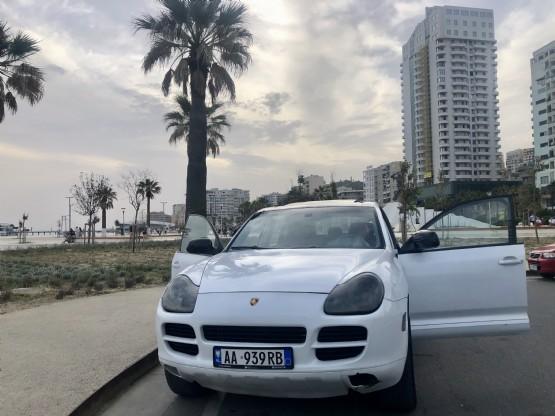 Makina me qera ne Durres Porche i Bardhe 2005 nga Theo Global-Rent A Car In Albania